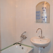 Общая площадь - 30 кв.м, жилая - 16 кв.м, кухня - 7 кв.м., 1 комната